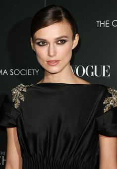 Keira Knightley Photos Photos - Actress Kiera Knightly attends Duchess Premiere for Chanel at The Public Theater on September 10, 2008 in New York City. - The Cinema Society, CHANEL Beaut??,