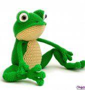 Fritz the Frog by Yuk iYarn Designs.
