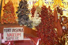 Istanbul Egyptian Bazaar Oct 06 no 19 Istanbul Market, Reason To Breathe, Grand Bazaar, Turkish Delight, Turkish Recipes, Troy, Dream Vacations, Food Styling, Egyptian