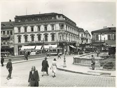 Nicolae Ionescu (1903 - 1975) Fotograf al Bucurestilor – altmarius Thing 1, Bucharest, Time Travel, Louvre, Street View, 1975, Building, Traveling, Park