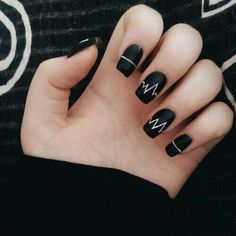 Incredible Black Nail Art Designs for Girls - More Nails 3 - Uñas Black Nail Art, Black Nails, Matte Black, Black Glitter, Black Art, Black White, Black Nail Designs, Nail Art Designs, Nails Design