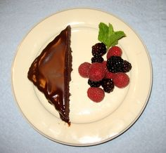 Flourless Chocolate Torte- Looks like it would be yummy in my chocolate loving tummy.