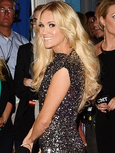 Country's Hottest Sparkle on the Red Carpet | Carrie Underwood:  Beautiful hair & make-up