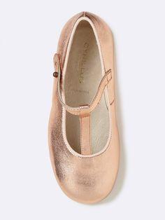 Marine chic ou rose métallisé, deux styles pour une même chaussure confortable et facile à assortir.Matière Tige cuir (chèvre), doublure et  première
