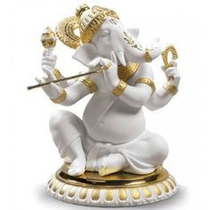 The Hindu god's spirituality shines through the glowing gold-tone detailing and rich porcelain of the Lladro Bansuri Ganesha Golden Re-Deco figurine. Clay Ganesha, Ganesha Painting, Lord Ganesha, Arte Shiva, Lord Shiva Pics, Porcelain Dolls Value, Handmade Flowers, Mens Gift Sets, Baby Clothes Shops
