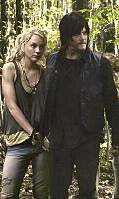 Norman Reedus Emily Kinney Daryl and Beth The Walking Dead. Walking Dead Show, Walking Dead Series, Walkinh Dead, Dead King, Emily Kinney, Daryl Dixon, Norman Reedus, Beth Greene, Zombies