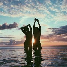 Life... . . . . . . . #ocean #sea #summer #girl #goodvibes #girls #sun #sunset #photography #model #mar #beach #beachgirl #ballerina