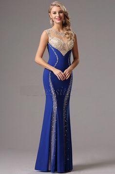 Vestido largo azul Rey Con Detalles Elegantes.