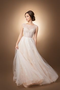 Rochie de mireasă bespoke, pe comandă Bespoke Tailoring, One Shoulder Wedding Dress, Delicate, Wedding Dresses, Collection, Fashion, Bride Dresses, Moda, Bridal Gowns