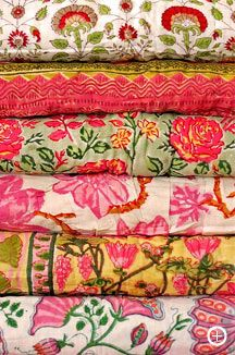 I think these Indian fabrics would make an excellent quilt!