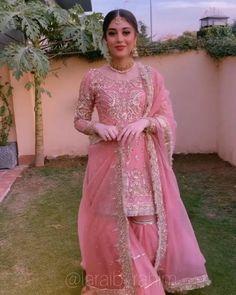 Desi Wedding Dresses, Pakistani Wedding Outfits, Indian Bridal Outfits, Fancy Dress Design, Stylish Dress Designs, Designs For Dresses, Designer Party Wear Dresses, Indian Designer Outfits, Indian Wedding Video
