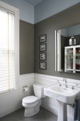 Nice small bath - Interesting way to elongate the wall with paint