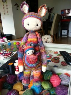 KIRA the kangaroo made by glinsterling / crochet pattern by lalylala