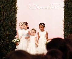 Finale - Oscar de la Renta Bridal 2015 - #odlr www.ninagarcia.com
