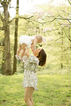 Mommy, & Me, Spring time, St. Louis Photographer, Creve Coeur Park.