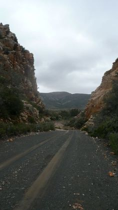 Southern Cape (George) to Wild-dog EC Bash Mountain Pass, Wild Dogs, Zimbabwe, Himalayan, Geology, South Africa, Cities, Beautiful Places