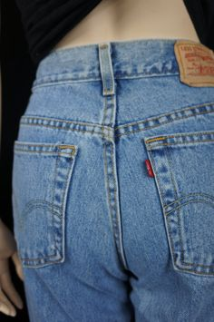 0618130c94b 70s Levis 501 Button Fly Shrink to fit Slevedged Jeans / 80s High Waist  Jeans,