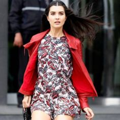 Tuba Büyüküstün in Kara Para Ask Divas, Cool Outfits, Casual Outfits, Casual Clothes, Beyond Beauty, Bad Girl Aesthetic, Turkish Actors, Classy And Fabulous, Nars