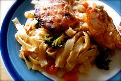 Hope For Healing: Sweet and Sour Peanut Stir-fry Rice Noodles Stir Fry Rice, Stir Fry Noodles, Rice Noodles, Spring Weather, Meat, Chicken, Dinner, Recipes, Healing