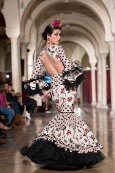 Flamenco Dresses, All Art, Fashion, Block Prints, Victorian Dresses, Ruffles, Polka Dots, Sevilla, Moda
