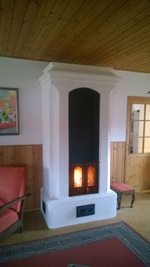 Muurattu takka uuni Tupa, Stove, Home, Interior, Hearth, Scandinavian Interior, Fireplace, Interior And Exterior, Home Decor