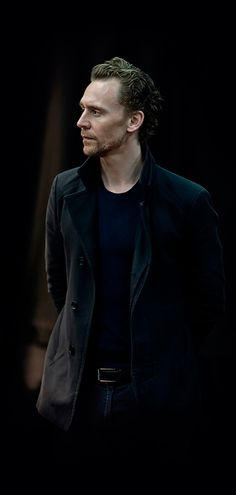 Tom Hiddleston as Hamlet. From Branagh Theatre Company website. Larger: http://i.imgur.com/SL5YYDF.jpg Source: http://www.branagh-theatre.com/ Via Torrilla