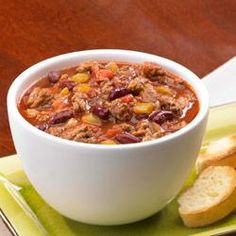 Chiliville Chili with Johnsonville Ground Italian Sausage(Classic Chili Recipes) Chili Recipes, Soup Recipes, Cooking Recipes, Yummy Recipes, Recipies, How To Cook Sausage, Spicy Sausage, Chicken Sausage, Sour Cream And Onion