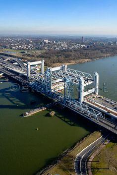 Botlekbrug, Hoogvliet, Zuid-Holland.