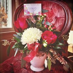 This is way too sweet. Eva (our Mini Session model today) brought us this sweet Valentine's Day bouquet for taking her photos. Compete with her little autograph. Stole my heart ❤️ Thank you so much! So unbelievable thoughtful! And great job Blossom Town in Redwood Falls the flowers are BEAUTIFUL!!! #Valentine #localbusiness #shoplocal  (at Blossom Town)  https://instagram.com/alikafaythe_despresphoto/