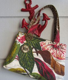 Gorgeous handbags made from vintage barkcloth $30