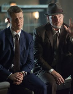 Gotham 1x09 Harvey Dent - Gordon & Bullock