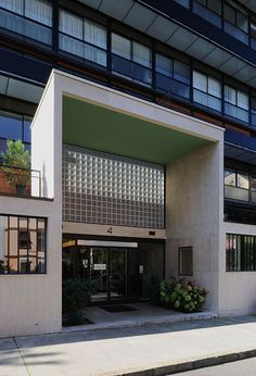 Immeuble Clarté, Geneva Switzerland (1930-32) | Le Corbusier Le Corbusier, Facade Game, Geneva Switzerland, Interior Architecture, Art Deco, House Styles, Building, Outdoor Decor, Design