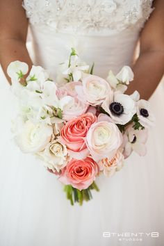 Ranunculus, Anemone and Rose bouquet i want to make this bouquet!! i love it love it LOVE IT!!