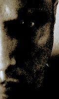 Fantasías  Juan Fernández  Guardo una esfera que robé una noche oscura de un cuento de hadas repleta de utopías flotando en el cuarto secreto que llevo escondido en el espectro luminoso de mis entrañas. Protegido por un ave Fénix amigo de un dragón dorado. Grifo pasea entre ellos para resguardarlos. Tengo establos repletos de unicornios que alimento a diario con el maná que me sobra lo mezclo con huevos dorados de las muchas gallinas que tengo en la granja. Huevos que fecunda un Quetzalcóatl…