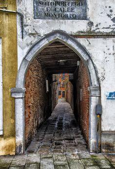 Venezia Calle Montorio #TuscanyAgriturismoGiratola