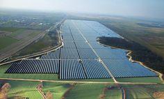 Afficher l'image d'origine Renewable Energy, Solar Energy, Solar Power, Solar Companies, Energy Companies, Eco City, Water Powers, Future City, Alternative Energy