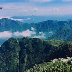 Gostamos mesmo é de estar acima das nuvens... #aventure #aventuras #aventureiros #profissaoaventura #goprobrasil #adventure #ecoturismo #trekking #mochileiros #picodoparana #montanhas #natgeo #nuvens #gopro #nature #naturezaperfeita #natureza