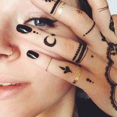 love pretty beauty art eyes beautiful design inspiration moon black hand makeup tattoo flower ink details star gold henna body art hand tattoo mandala nose piercing mehendi nose ring mehndi adorn henna tattoo mehndhi henna ink