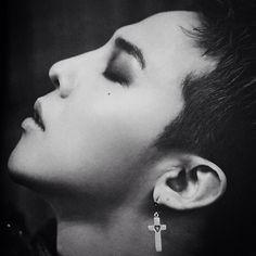 G-Dragon in Paris 2014 Photo Book Gd Bigbang, Bigbang G Dragon, Daesung, G Dragon Black, G Dragon Top, Kpop Love, Lee Hi, Dragon King, Glamour Photo