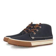 Zapatillas deportivas de hombre estilo botín en marino. Cierre con cordones…                                                                                                                                                                                 Más