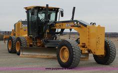 J2287.JPG - 2009 John Deere 672G articulated motor grader , 5,713 hours on meter , John Deere Powertech PSS dies...