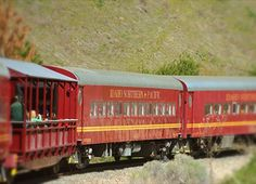 Thunder Mountain Line (themed train rides from Horseshoe Bend--family fun all year round, including a Pumpkin Liner and Santa Express)