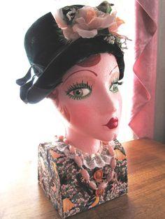Vintage Style Mannequin Head Display