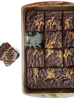 These are the most delicious, one-bowl,vegan & gluten-free browniesthat you'll ever make! Extra chocolatey, rich, chewy, with swirls of SunButter and that much desired, crackly top. Kid approved, nut-free too.