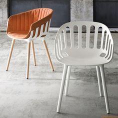Basket   Chaise design, avec piétement en métal ou en bois de hêtre