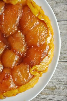 I make a mean Tarte Tatin. Easy Smoothie Recipes, Easy Smoothies, Snack Recipes, Healthy Smoothie, No Cook Desserts, Delicious Desserts, Coconut Recipes, Sweet Tarts, Macarons