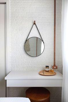 Compartilhar no Wh . Home Design Decor, House Design, Minimal Apartment, Industrial Apartment, Industrial Loft, Hygee Home, Minimalist Home Decor, Cool Rooms, Home Decor Inspiration