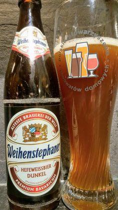 Weihenstephaner HefeWeissbier Dunkel. Watch the video beer review here www.youtube.com/realaleguide   #CraftBeer #RealAle #Ale #Beer #BeerPorn #WeihenstephanerHefeWeissbierDunkel #WeihenstephanerHefeWeissBier #Weihenstephaner #HefeWeissBierDunkel #GermanCraftBeer #GermanBeer