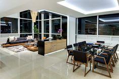 los colores de los acabados y del mobiliario cambian conforme transcurre el día, llenando de vida el interior del penthouse MK. | Galería de fotos 7 de 8 | AD MX