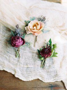Neutral and Garnet Boutonnieres | Kate Ignatowski Photography - http://heyweddinglady.com/nearly-nude-rustic-glam-neutral-wedding-ideas/
